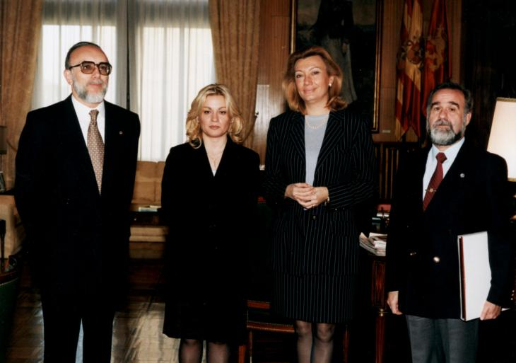Foto de los 25 años- con Alcaldesa-1998